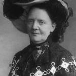 Fredrikke Marie Qvam, leder for Landskvindestemmeretsforeningen, sto i spissen for den store underskriftsaksjonen, og var med og overleverte underskriftene til Stortinget 22. august 1905. Eier: Egge Museum.