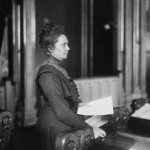 Anna Rogstad var den første kvinna på Stortinget da hun møtte som vararepresentant i 1911. Innvalgt fra Frisinnede Venstre. Foto: Anders Beer Wilse. Eier: Nasjonalbiblioteket.